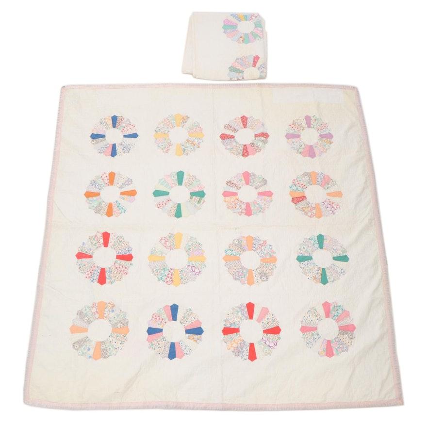 """Hand Pieced """"Dresden Plate"""" Quilts"""