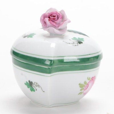 Herend Hungary Porcelain Vienna Rose Trinket Box, Late 20th Century