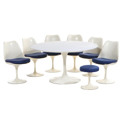 "Eero Saarinen for Knoll Modernist ""Tulip"" Eight-Piece Dining Set, Circa 1971"