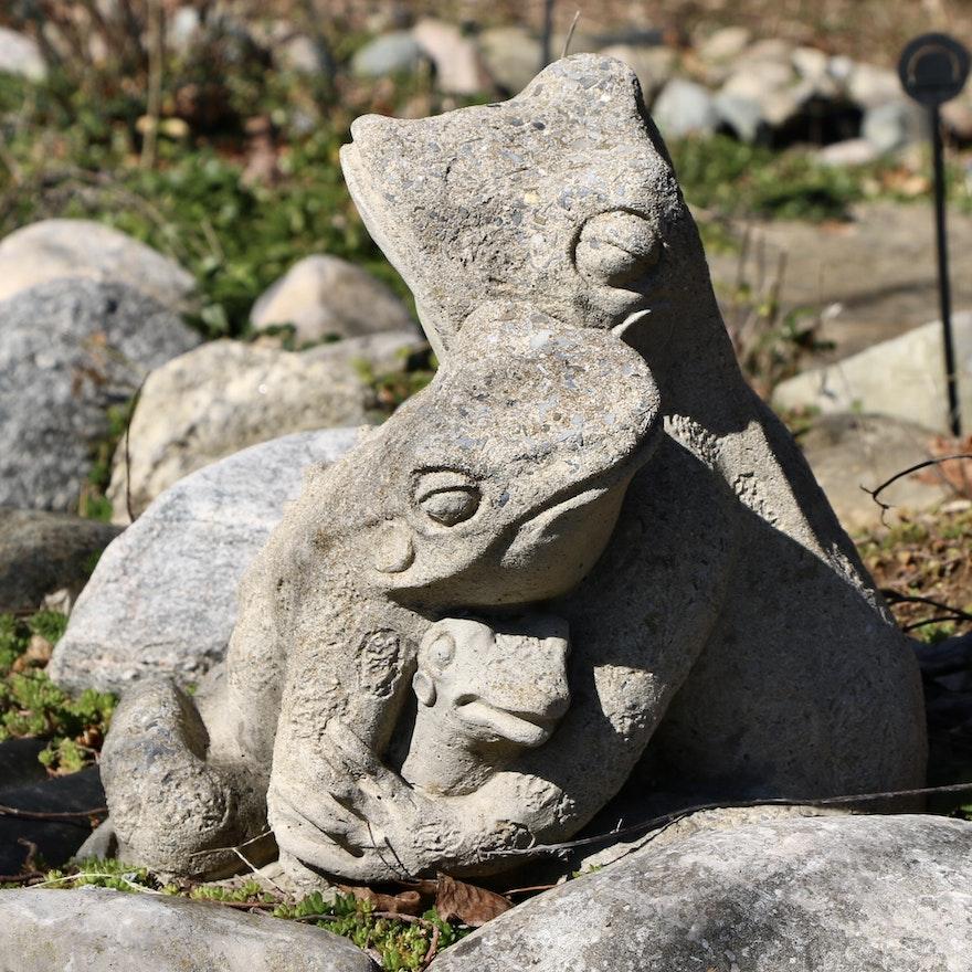 Concrete Garden Statue of Frog Family Hug
