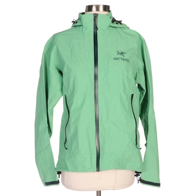 Arc'teryx Nylon and Gore-Tex Green Hooded Zipper-Front Jacket