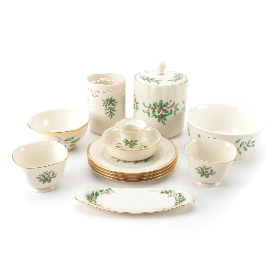 """Lenox """"Holiday"""" Porcelain Dinnerware and Table Accessories"""