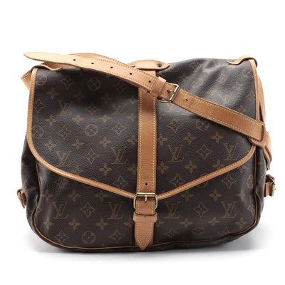 Louis Vuitton Saumur 35 Messenger Bag in Monogram Canvas