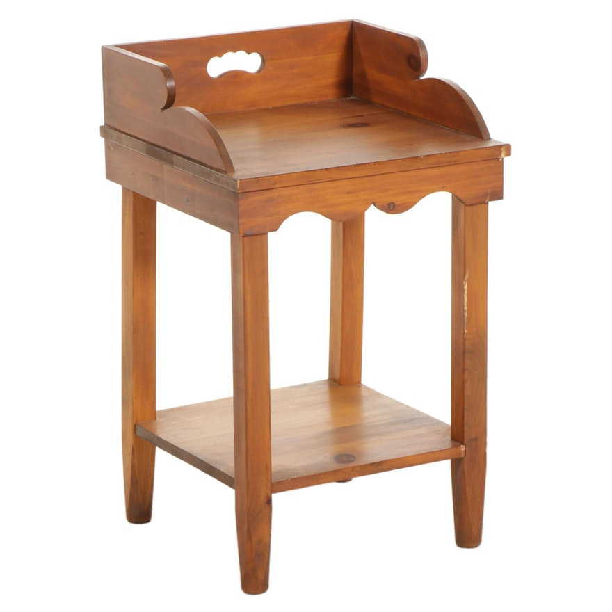 Mastercraft American Primitive Style Pine Accent Table