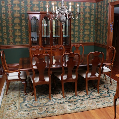 Stanley Furniture Queen Anne Style Cherry Dining Table and Chairs