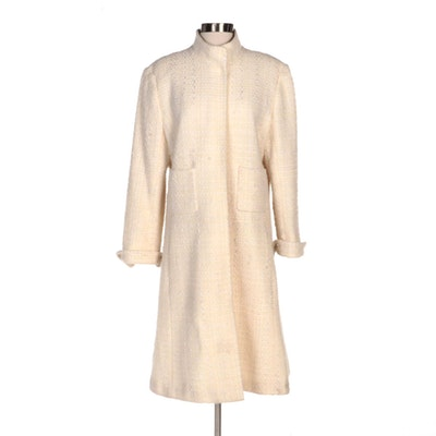 Oscar by Oscar de la Renta Ivory Tweed Coat with Portolano Cashmere Gloves