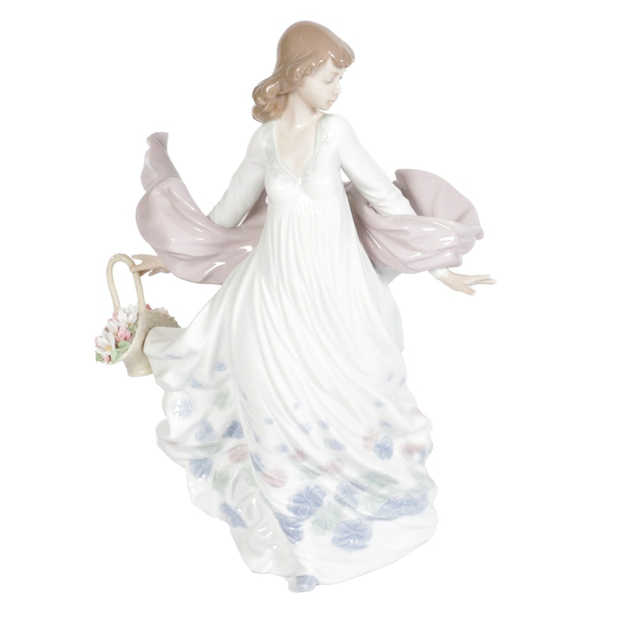 "Lladró ""Spring Splendor"" Porcelain Figurine Designed by Regino Torrijos"