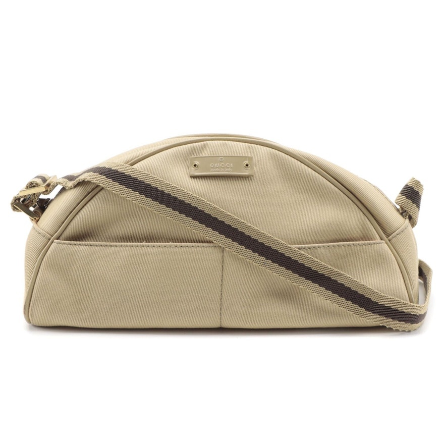 Gucci Pouch Shoulder Bag in Beige Canvas