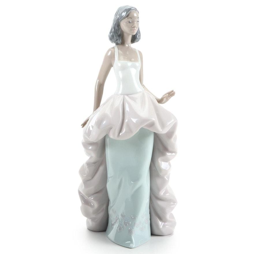 """Lladró """"Wanda"""" Porcelain Figurine Designed by Joan Coderch"""