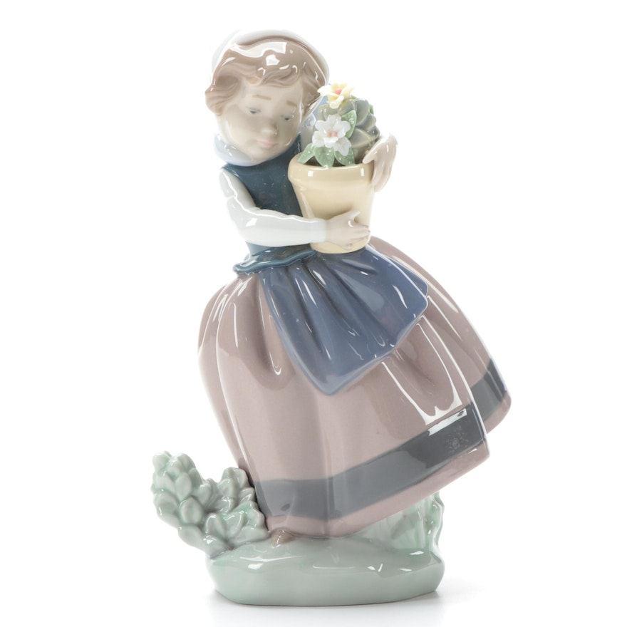 """Lladró """"Spring is Here"""" Porcelain Figurine Designed by Jose Puche"""