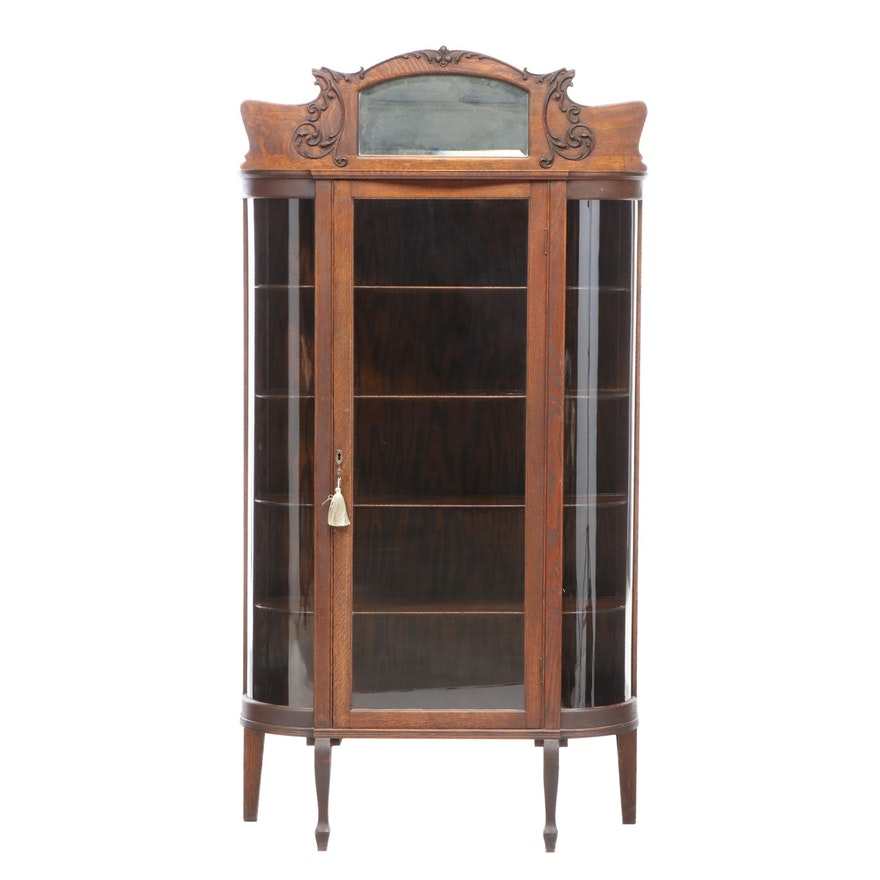 Late Victorian Quartersawn Oak and Curved Glass Display Cabinet, circa 1900