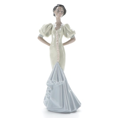 "Lladró ""Velisa"" Porcelain Figurine Designed by Joan Coderch, 1996–2005"