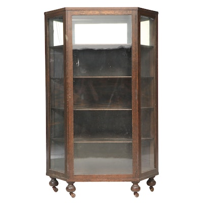 Henshaw's of Cincinnati Oak Curio Cabinet, Early 20th Century