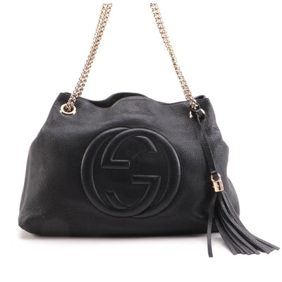 Gucci Soho Chain Strap Shoulder Bag in Black Grained Leather with Tassel