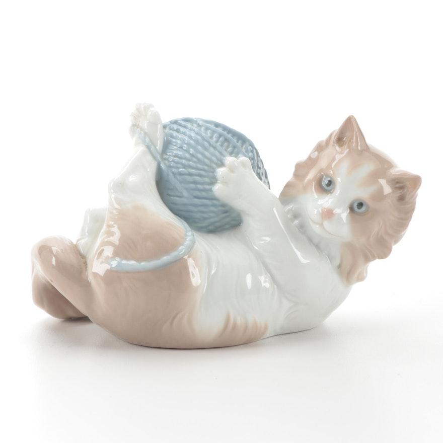 """Nao by Lladró """"Cat with Yarn Ball"""" Porcelain Figurine, Late 20th Century"""