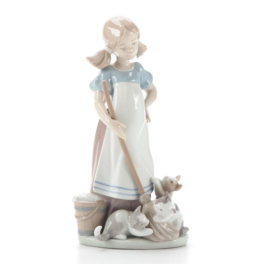 """Lladró """"Playful Kittens"""" Porcelain Figurine Designed by Juan Huerta"""