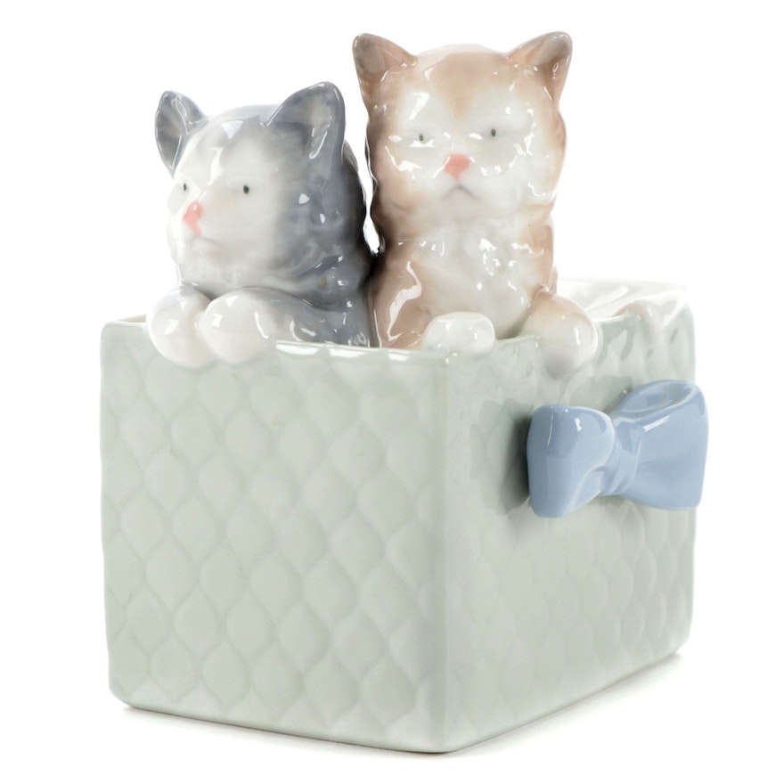 """Nao by Lladró """"Purr-fect Gift"""" Porcelain Figurine, 1988"""