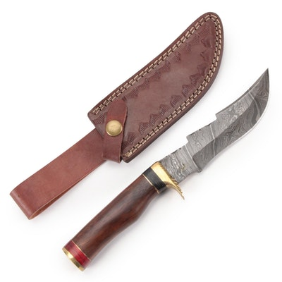 Damascus Steel Fixed Blade Hunting Knife in Sheath