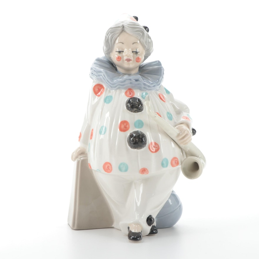 Tengra Porcelain Figurine Clown with Saxophone