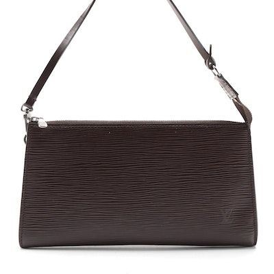 Louis Vuitton Pochette Clutch Handbag in Moka Epi and Smooth Leather