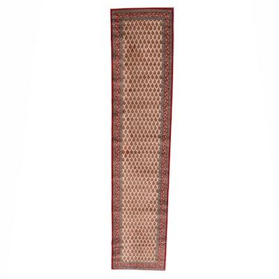 2'4 x 11' Machine Made Soukh Wool Carpet Runner
