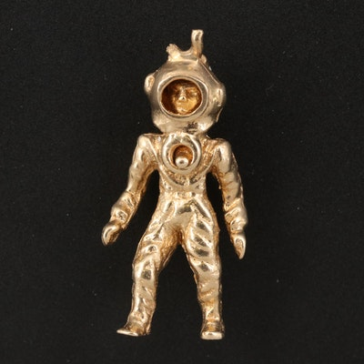 14K Articulated Astronaut Charm
