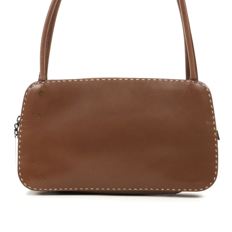 Gucci Shoulder Bag in Leather with Contrast Stitching and Sterling Zipper Pull