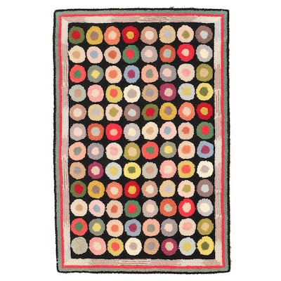 """2' x 3' Hand-Hooked Claire Murray """"Button"""" Accent Rug"""