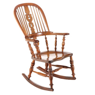 English Windsor Wood Rocking Chair, 19th Century