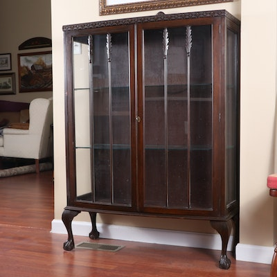 Queen Anne Style Walnut-Finished Wooden Display Cabinet, Early to Mid 20th C.