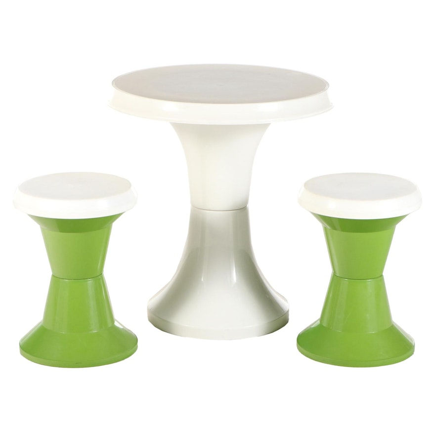 Three-Piece Action Modernist Molded Plastic Child's Dining Set