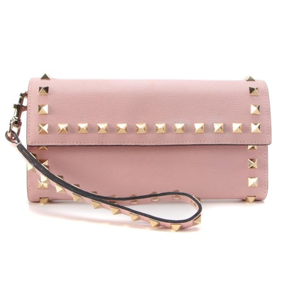 Valentino Garavani Rockstud Front Flap Wallet Wristlet in Pink Leather