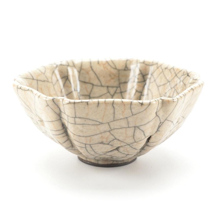 Chinese Geyao Style Crackle Glazed Stoneware Lobed Bowl