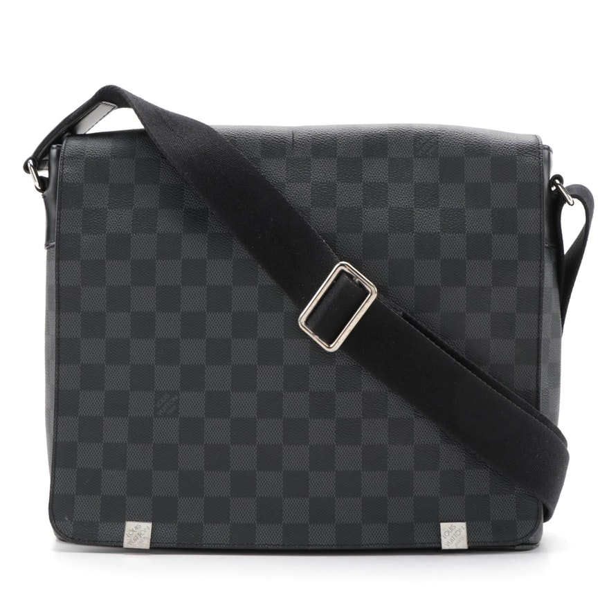 Louis Vuitton District MM Messenger Bag in Damier Graphite Canvas
