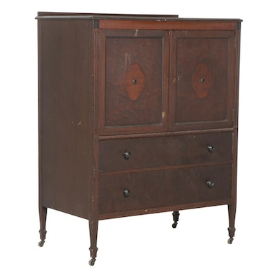 Berkey & Gay Walnut Chest of Drawers, Early 20th Century