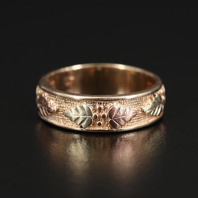 Black Hills Gold 10K Yellow Gold Band with Leaf Accents in Green and Rose Gold