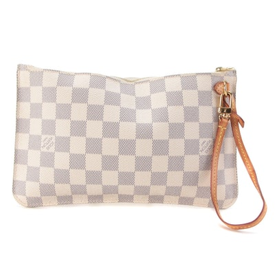 Louis Vuitton Neverfull Pochette in Damier Azur with Vachetta Leather Strap