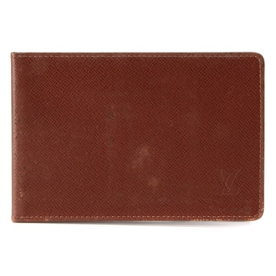 Louis Vuitton Brown Taïga Leather Card Case