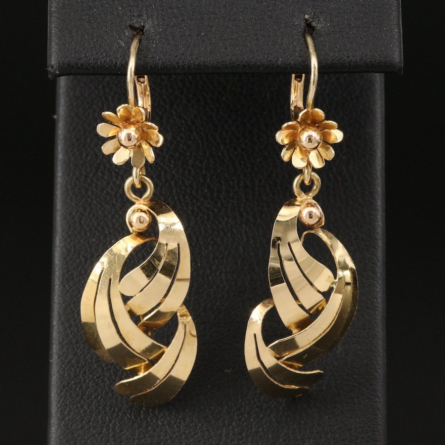 18K Earrings with Overlapping Design