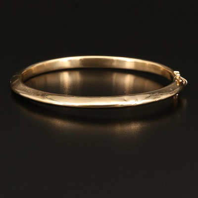 Italian 18K Gold Knife Edge Hinged Bangle