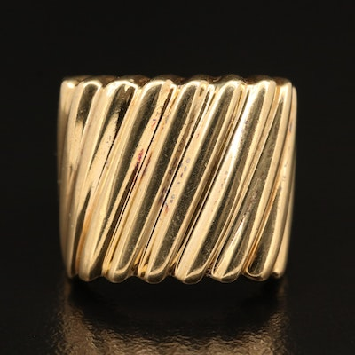 18K Tapered Fluted Ring