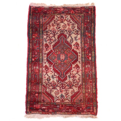 2'6 x 4'4 Hand-Knotted Persian Hamadan Village Wool Accent Rug
