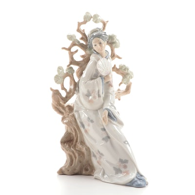 "Lladró ""Geisha"" Porcelain Figurine"