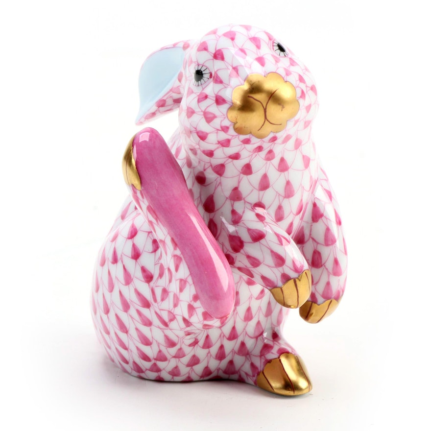"""Herend Raspberry Fishnet with Gold """"Scratching Bunny"""" Porcelain Figurine, 1993"""
