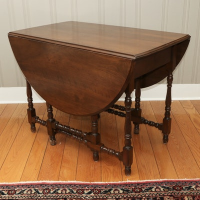 Early American Style Maple Gate-Leg Table, Mid 20th Century