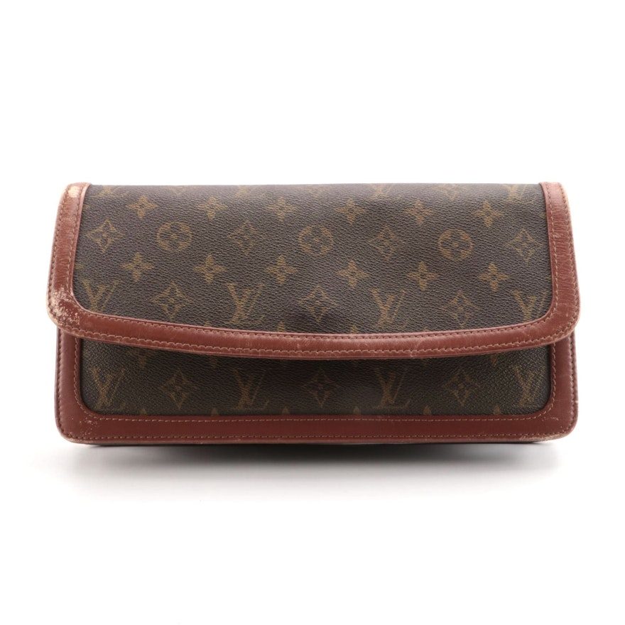 Louis Vuitton Pochette Dame GM Clutch Bag in Monogram Canvas and Leather