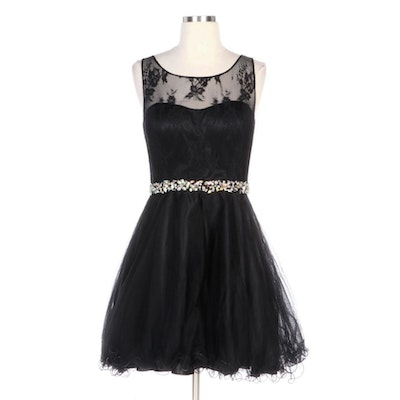 Junior Beaded Black Lace and Tulle Sleeveless Formal Dress