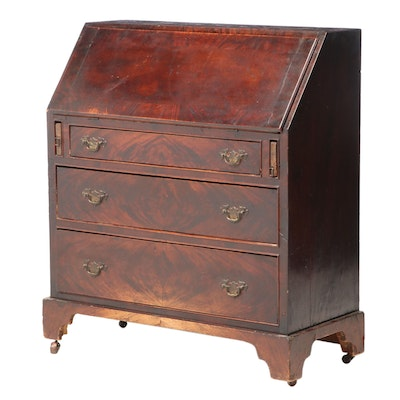 Chippendale Style Flame Mahogany Slant-Front Desk, Early 20th Century