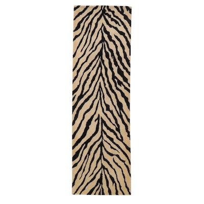 2'6 x 7'10 Hand-Tufted Indian Zebra Pattern Carpet Runner, 2010s