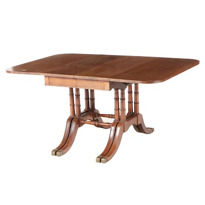 Classical Style Mahogany Drop-Leaf Extension Dining Table